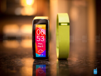 Samsung Gear Fit vs Fitbit Flex