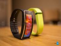 Samsung-Gear-Fit-vs-Fitbit-Flex14