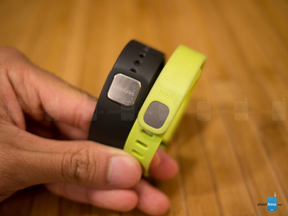 Samsung Gear Fit vs Fitbit Flex