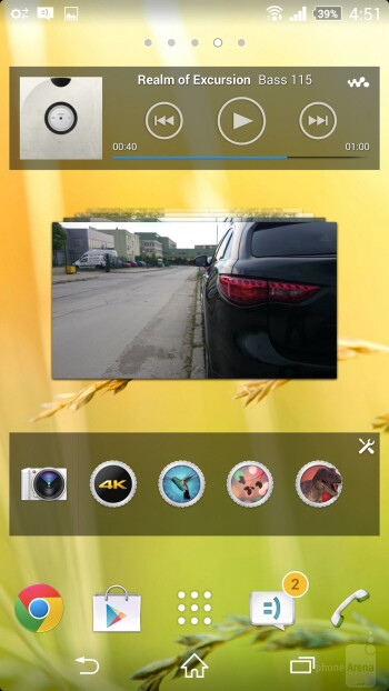 User interface of the Sony Xperia Z2 - Sony Xperia Z2 vs HTC One (M8)