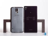Sony-Xperia-Z2-vs-Samsung-Galaxy-S5002.jpg