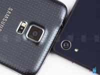 Sony-Xperia-Z2-vs-Samsung-Galaxy-S5003.jpg
