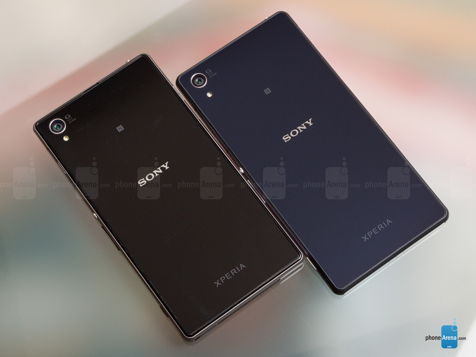 Xperia Z2 - right  Xperia Z1 - leftXperia Z1 Vs Xperia Z2