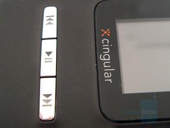Music control keys - Nokia N75 Review