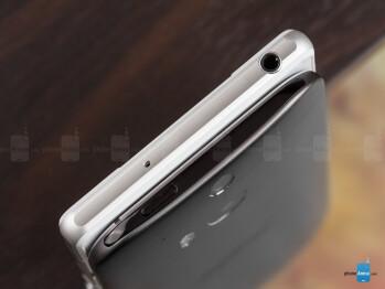 Sony Xperia Z2 vs HTC One (M8)