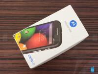 Motorola-Moto-E-Review001-box