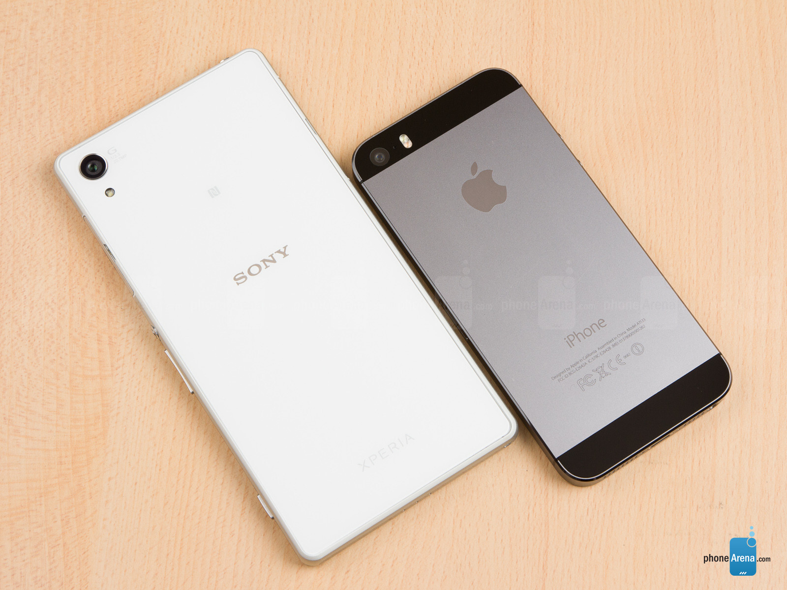 Sony Xperia Z2 vs Apple iPhone 5s 02