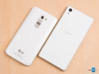 Sony-Xperia-Z2-vs-LG-G202.jpg