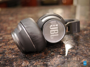 JBL Synchros S400BT Review