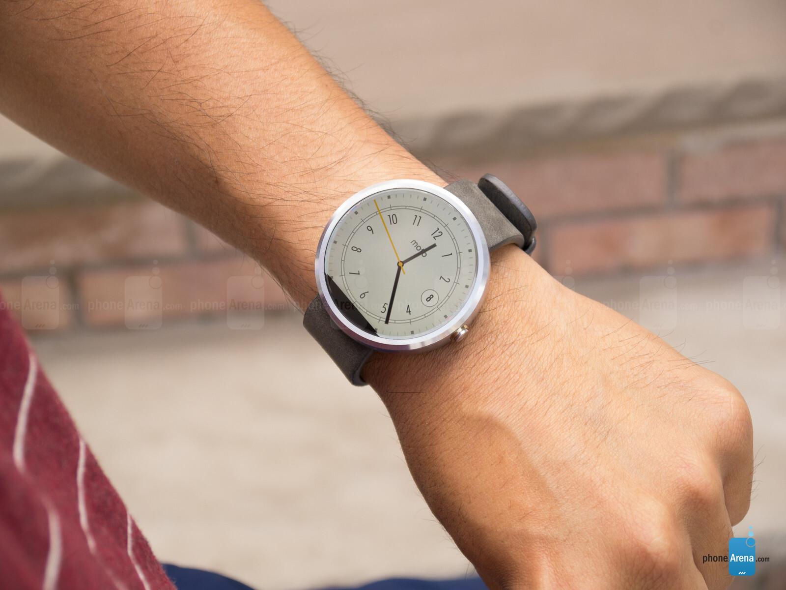motorola moto 360 - stone grey leather smart watch