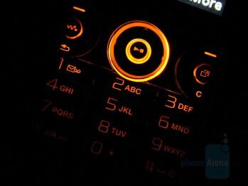 Keyboard - Sony Ericsson W660 Preview