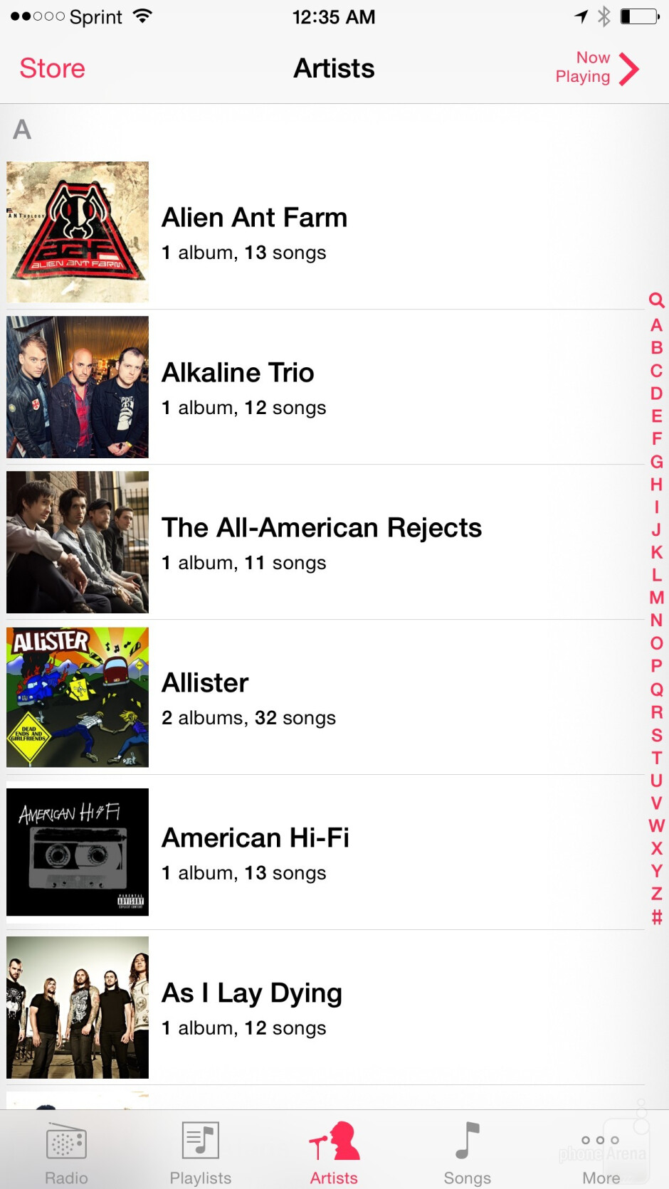 Playing music on the Apple iPhone 6 Plus - Google Nexus 6 vs Apple iPhone 6 Plus
