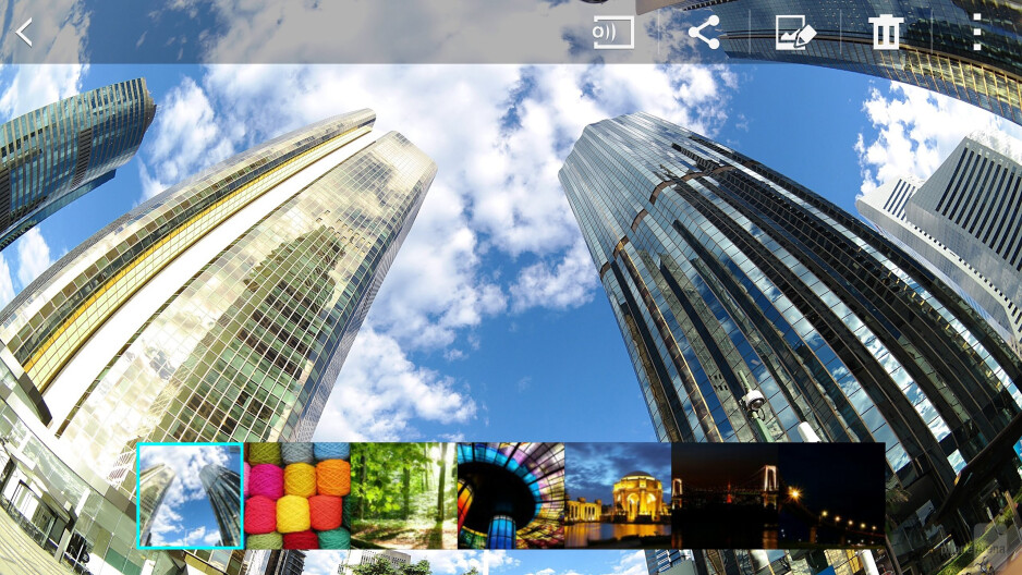 Gallery app of the Samsung Galaxy Note 4 - Samsung Galaxy Note 4 vs HTC One (M8)