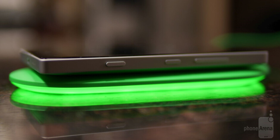 Nokia DT-903 Smart Wireless Charging Plate Review