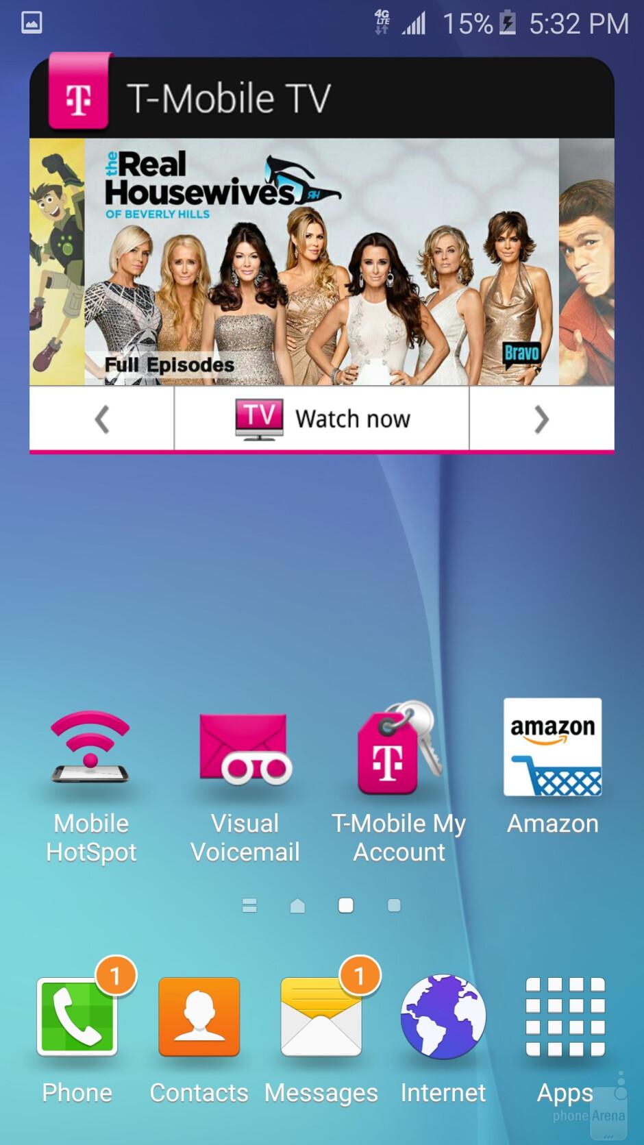 The TouchWiz UI on the Galaxy S6 edge - Samsung Galaxy S6 edge vs Apple iPhone 6