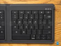 Microsoft-Foldable-Keyboard-Review09