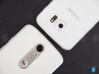 Motorola-DROID-Turbo-2-vs-Samsung-Galaxy-S6005
