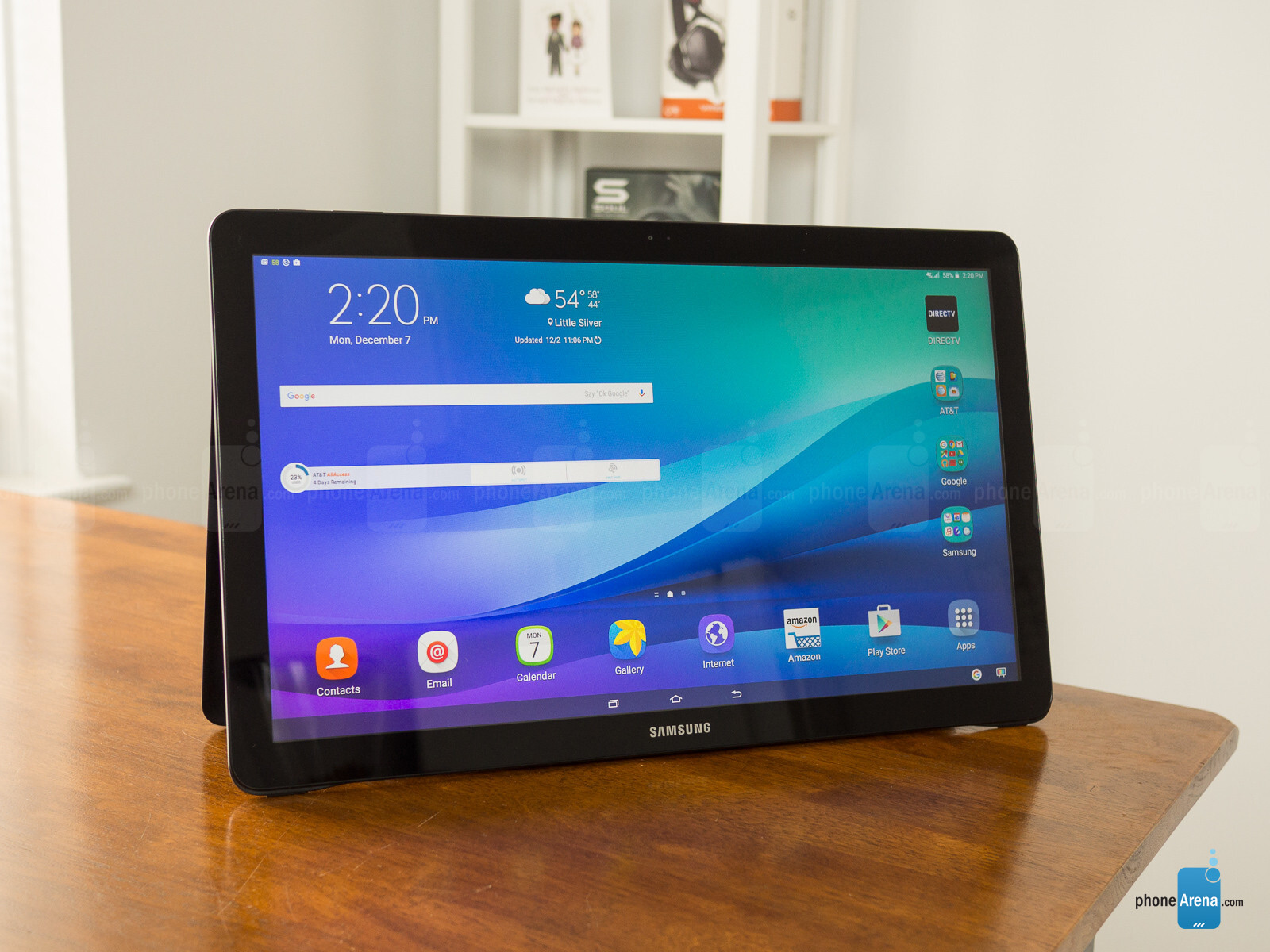 A gigantic Lenovo tablet with decent specs shows up on ...
