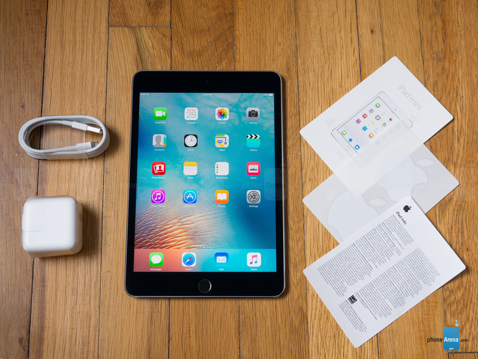 apple ipad mini 4 review. Black Bedroom Furniture Sets. Home Design Ideas