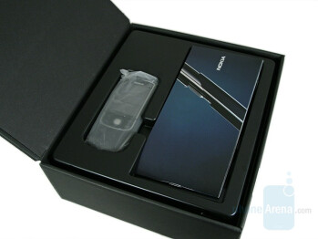 The Box - Nokia 8600 Luna Review