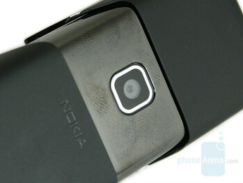 The semi-visible smoked glass and the dirty camera - Nokia 8600 Luna Review