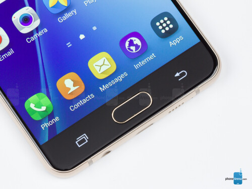 The Samsung Galaxy A7 (2016) in pictures