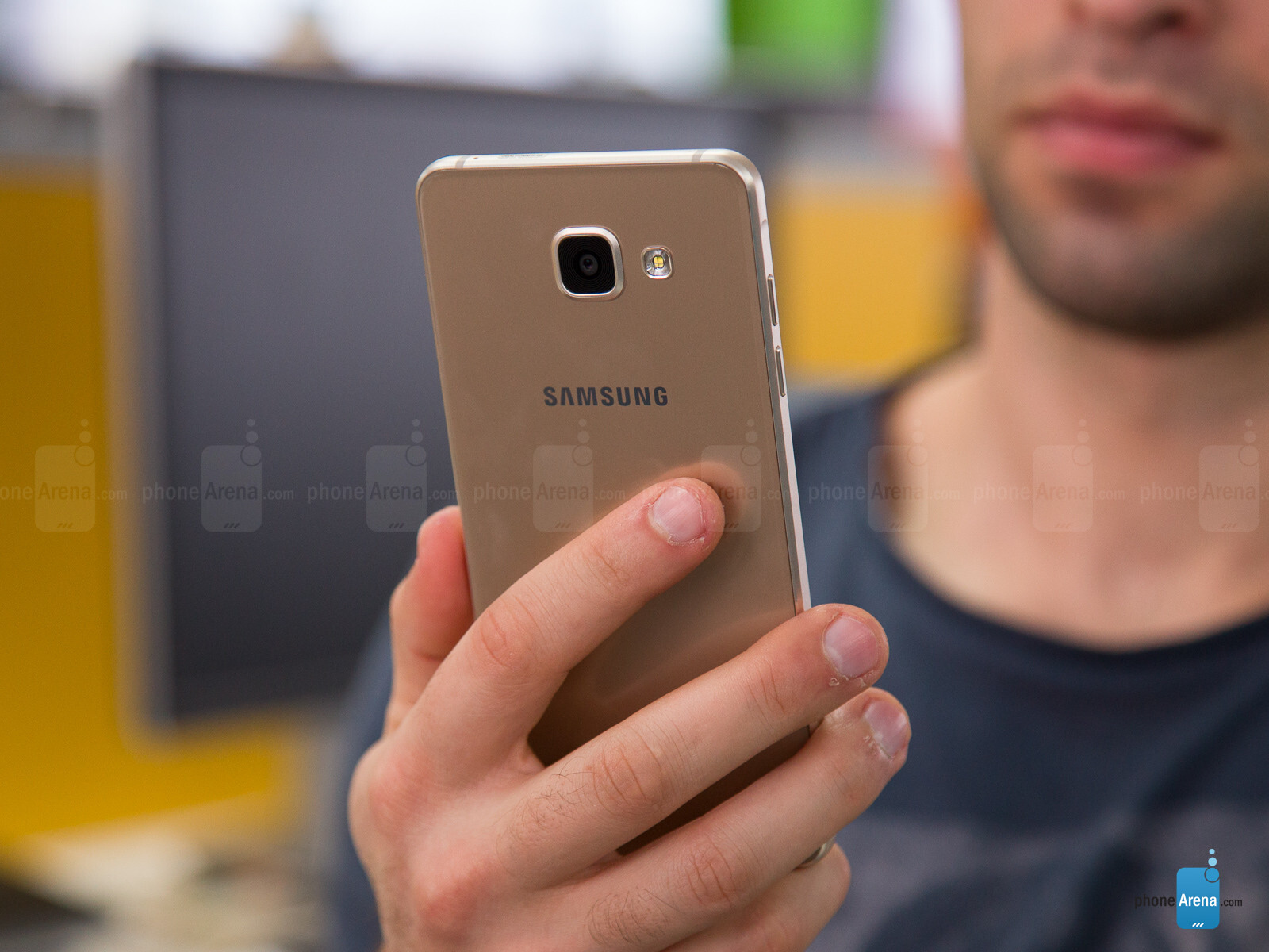 samsung galaxy a5 2016 starts getting android 7 0 nougat update in europe. Black Bedroom Furniture Sets. Home Design Ideas
