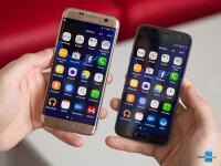 Samsung-Galaxy-S7-Edge-vs-Galaxy-S7012