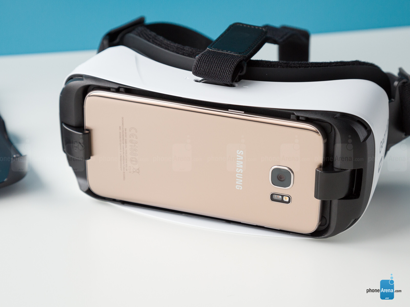 Vr Headset Comparison >> Samsung Gear VR Review - PhoneArena