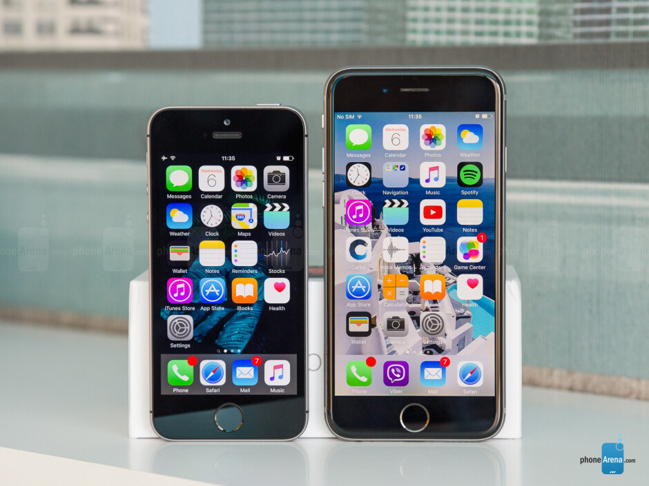 Next to the iPhone 6s (right) - Apple iPhone SE Review