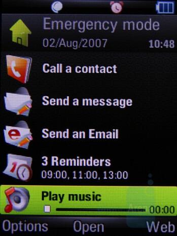 Active Home Screen - Motorola Z8 Preview