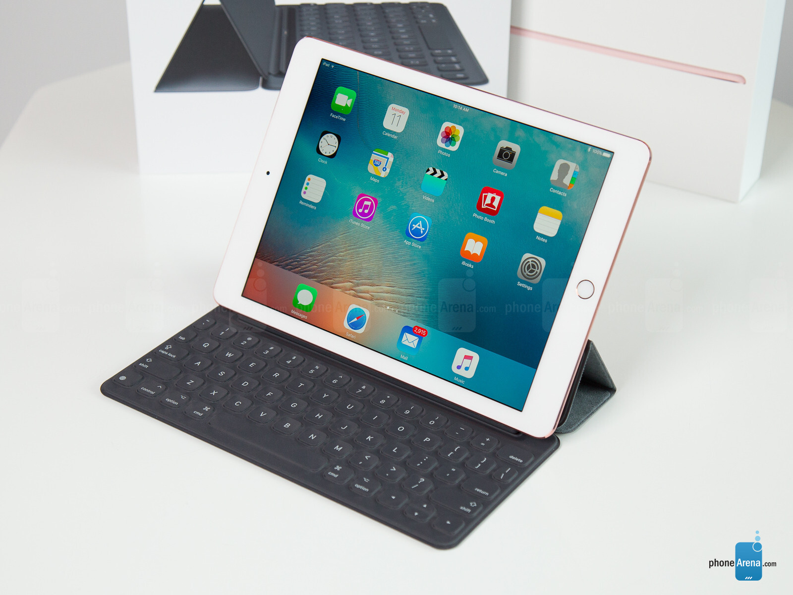 flash deal 9 7 inch apple ipad pro selling at 200 off. Black Bedroom Furniture Sets. Home Design Ideas