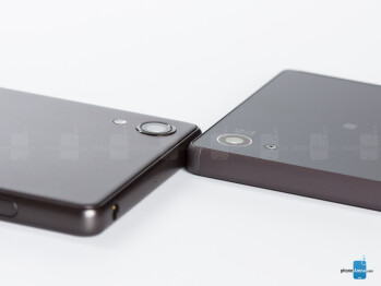 Sony Xperia X - left, Xpezia Z5 - right - Sony Xperia X vs Sony Xperia Z5