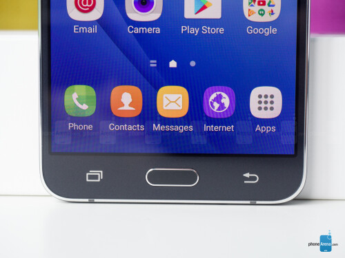 The Samsung Galaxy J7 (2016) in pictures