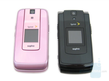 Sanyo Katana DLX (left) compared to Sanyo Katana II (right) - Sanyo Katana DLX Review