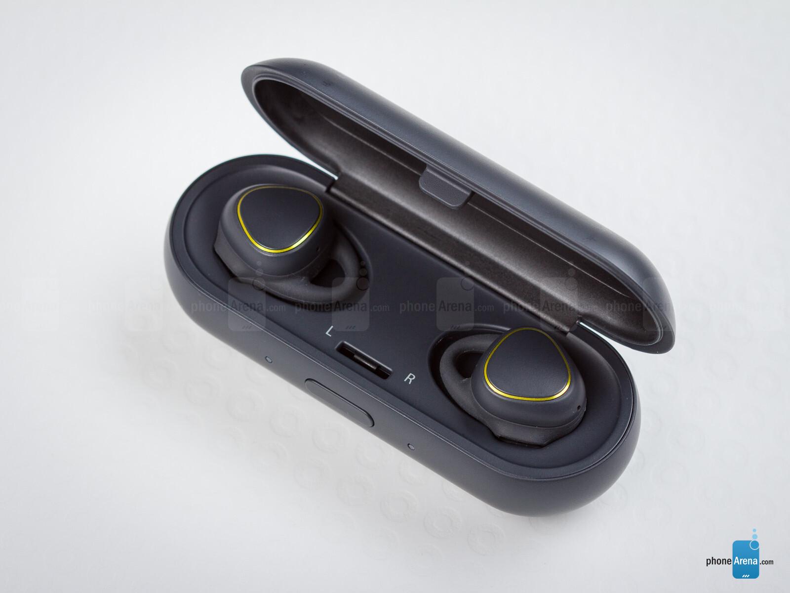 Samsung Gear Iconx Wireless Earphones Review