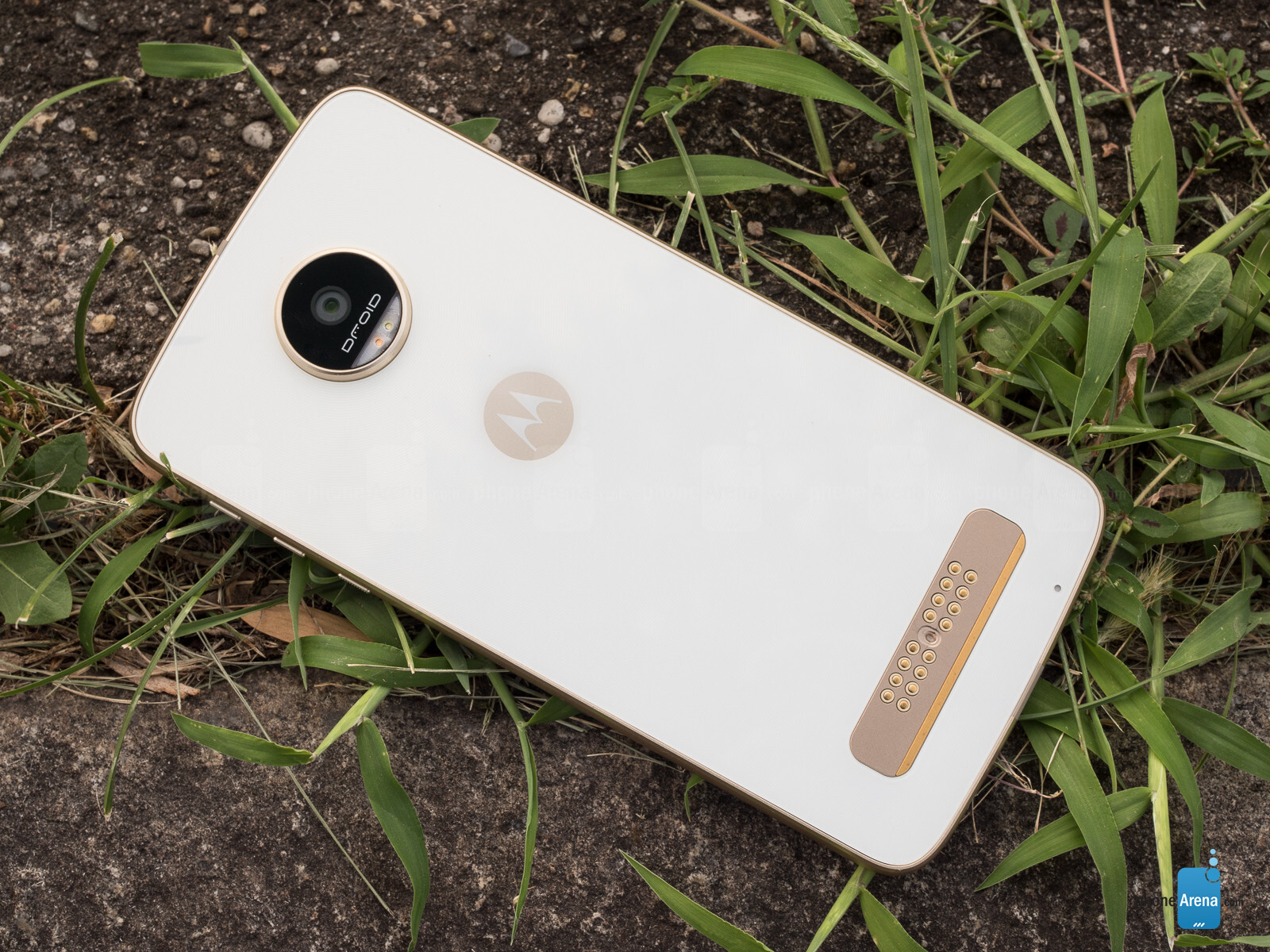 Moto z moto z play now available in india price specifications and - Moto Z Play Droid Review
