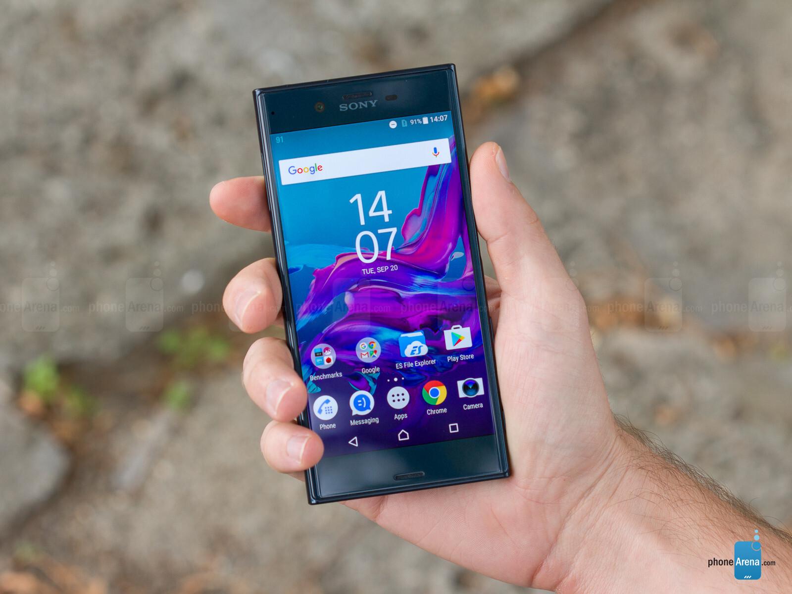 Sony Xperia XZ ReviewXperia C Black In Hand