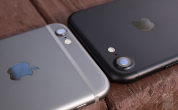 iPhone 6s (left) vs iPhone 7 (right) - Apple iPhone 7 Review
