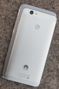 Huawei-Nova-and-Nova-Plus-Review005-design2