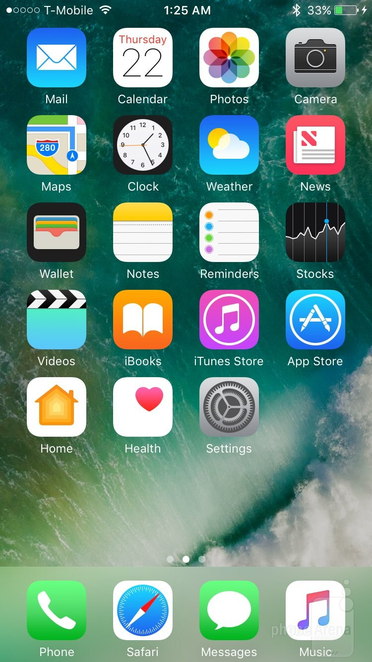 Apple's iOS 10 - Apple iPhone 7 vs HTC 10