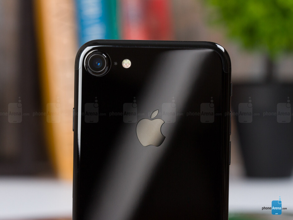The iPhone 7 in Jet black color - Apple iPhone 7 Review
