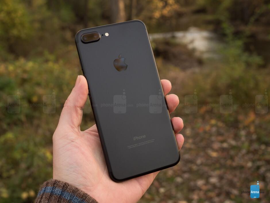 Google Pixel XL vs Apple iPhone 7 Plus