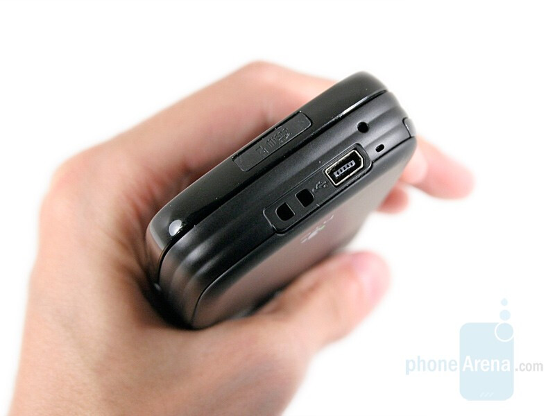 Lower panel - HTC TyTN II Review