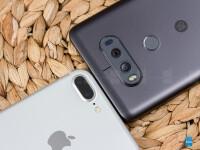 LG-V20-vs-Apple-iPhone-7-Plus003