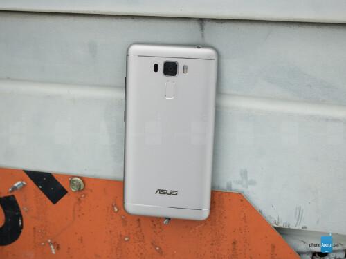 Asus ZenFone 3 Laser Review