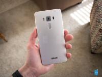 Asus-ZenFone-3-Deluxe-Review002.jpg