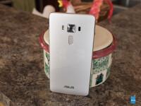 Asus-ZenFone-3-Deluxe-Review004.jpg