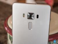 Asus-ZenFone-3-Deluxe-Review005.jpg
