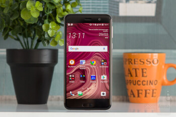 HTC U Play Review